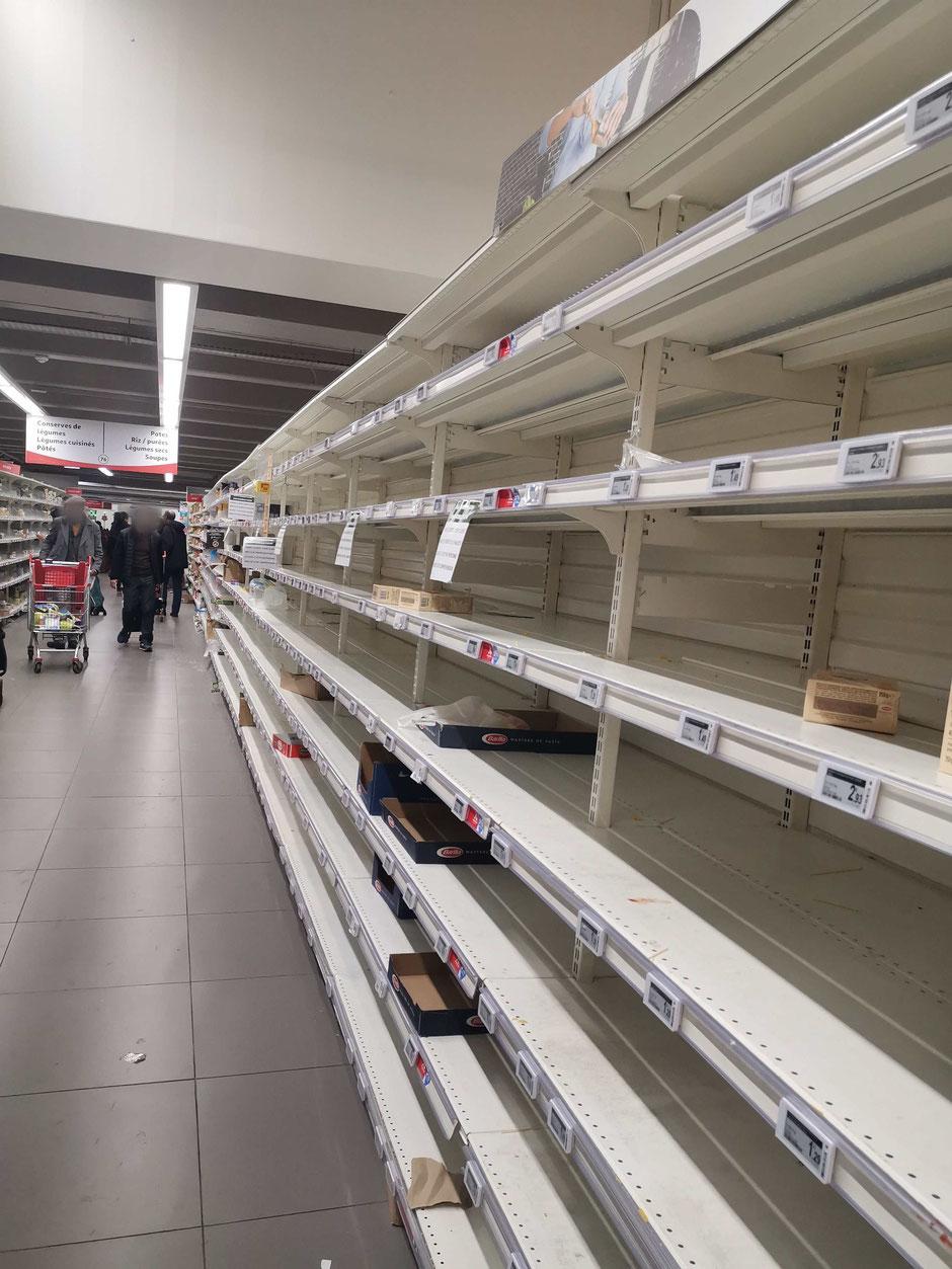 ©Rebellissime. Auchan Fontenay-sous-Bois, rayon Pâtes, riz...